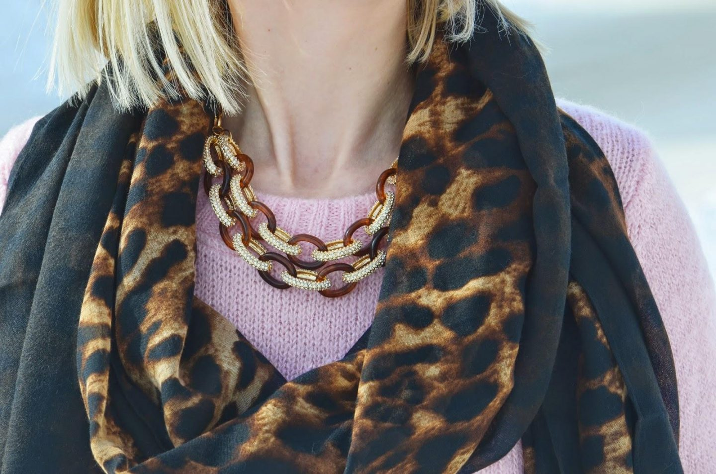 Style, OOTD, leopard, sweater, sweater weather, Asos, Zara, Vince Camuto, leopard scarf, pink sweater style