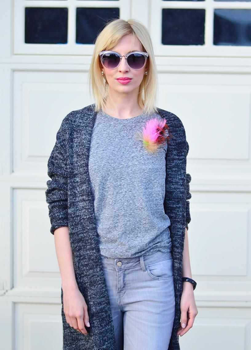 Knitted Cargican for Colder Days | How To Mix Grey With Bright Colors