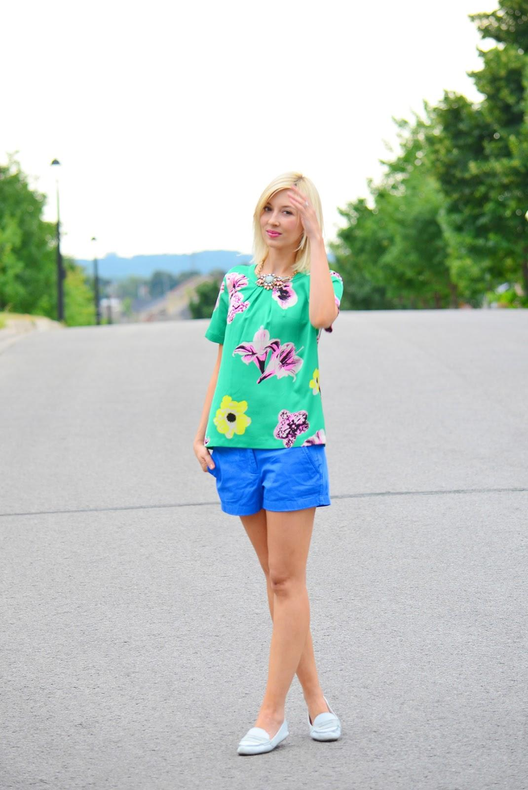 Style, OOTD, floral print, summer style, preppy style, preppy, J. Crew, J.Crew style, Chino Shorts, shorts, Gap, floral top style, floral print top