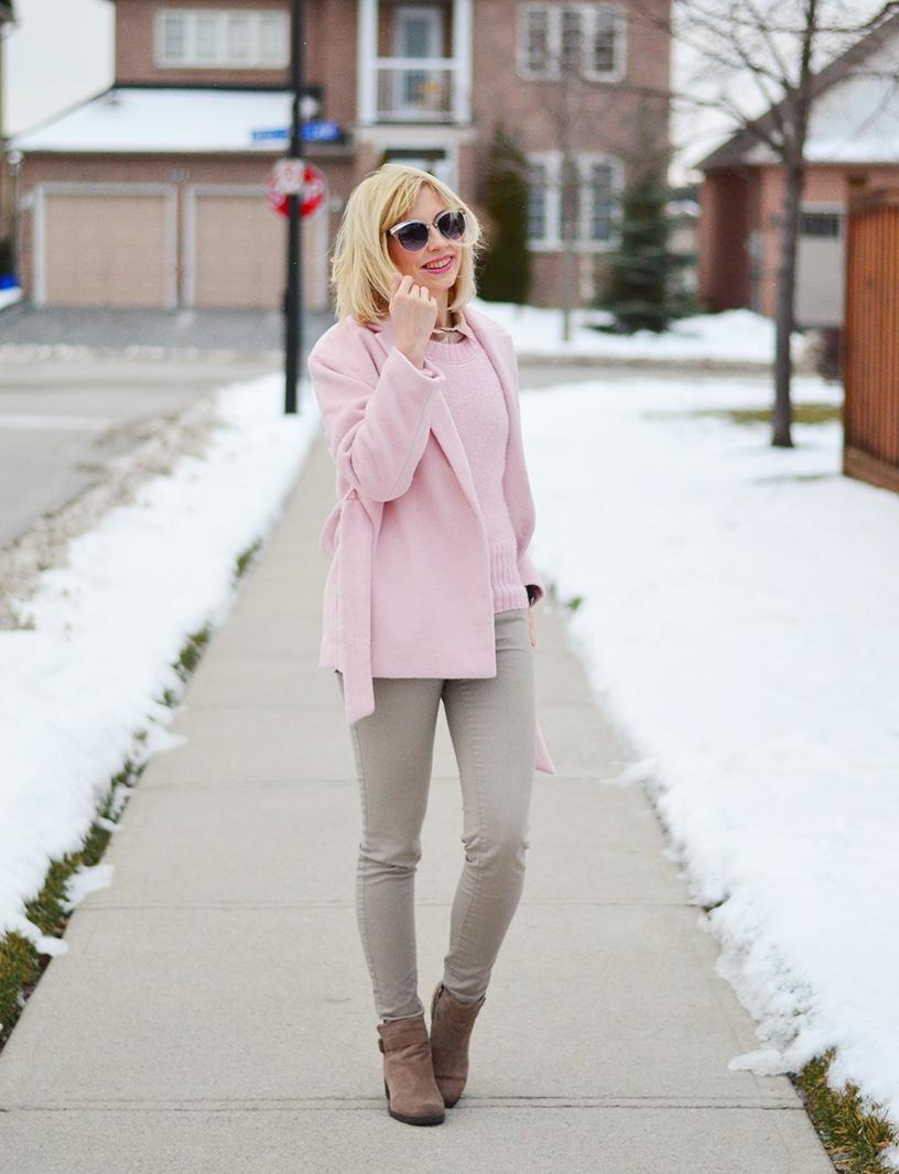dusty pink and beige outfit