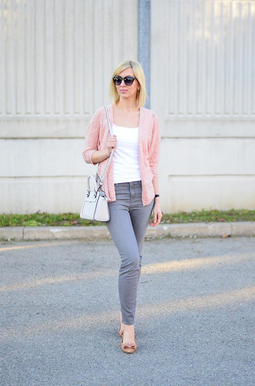 pink cardigan & high rise jeans style